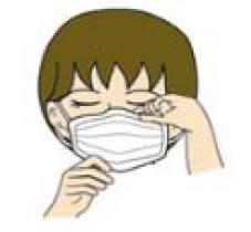 マスクをつける様子